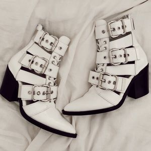 Jeffrey Campbell Caceres boots !
